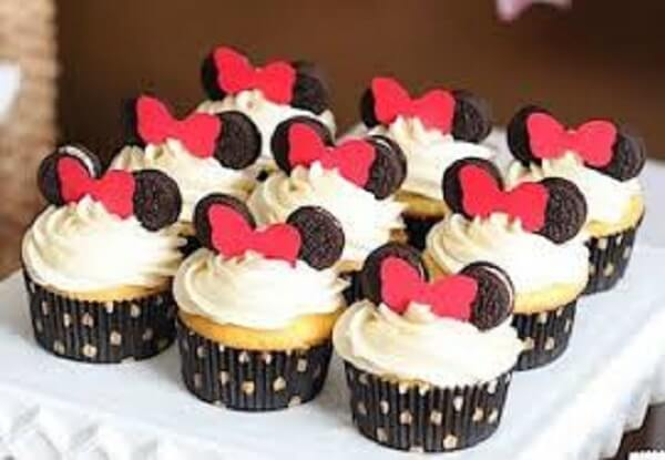 Cup cake with black cookie ears
