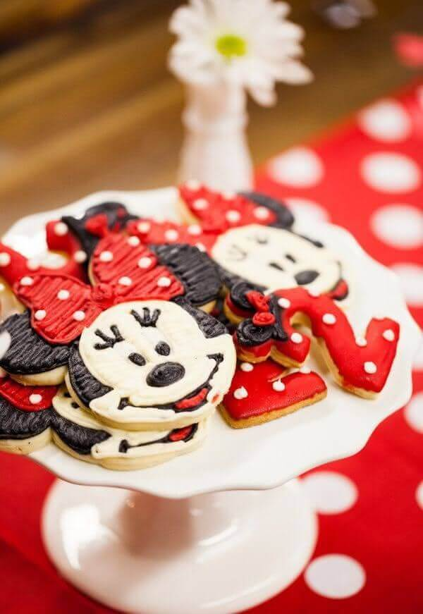 Minnie shaped cookies