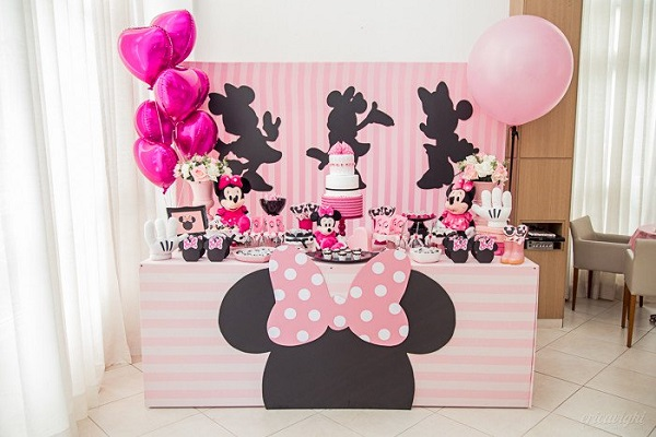 Minnie pink party for few guests
