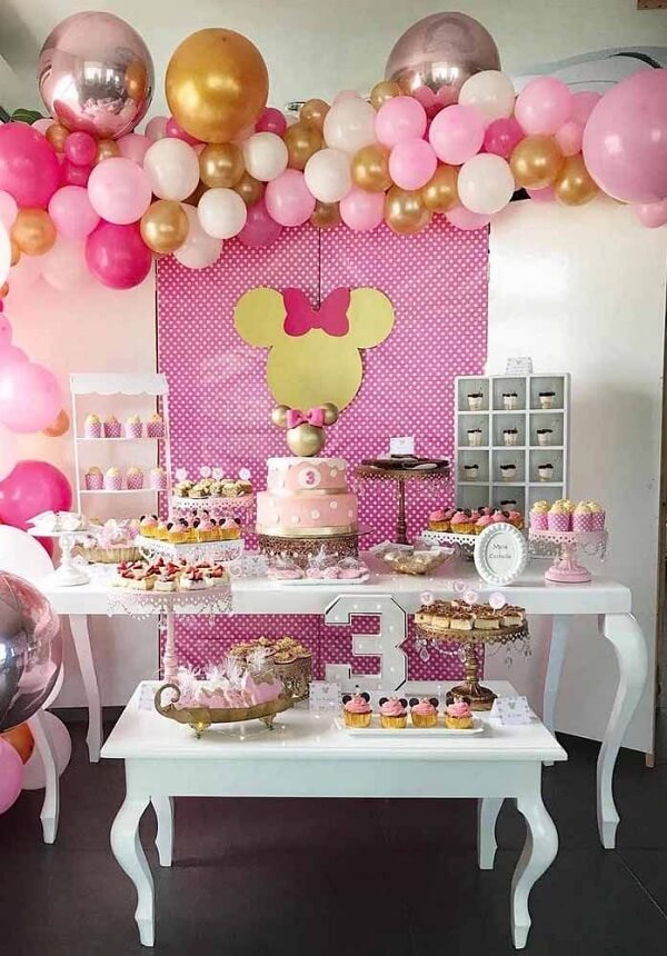 Use and abuse of balloons and structure a beautiful decoration