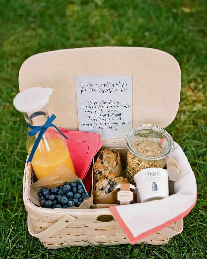 picnic basket for party in simple box - Photo Martha Stewart Weddings