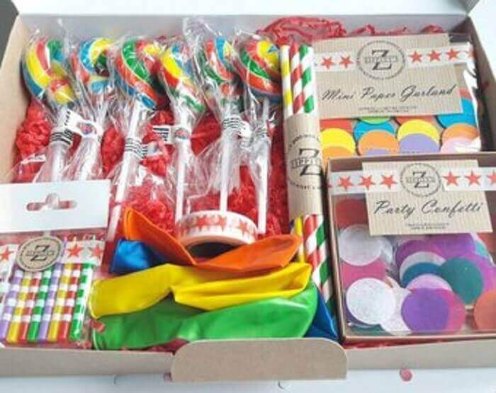 items for children's box party - Photo Etsy