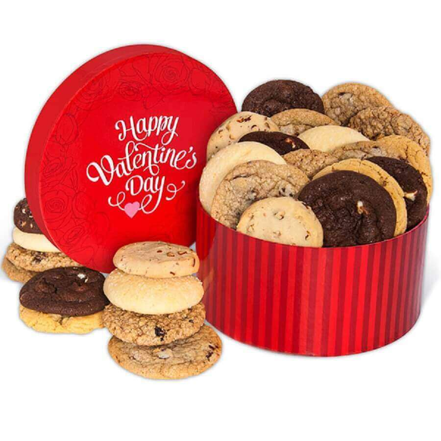 Can of cookies as party in the box for boyfriend - Photo gourmet gift baskets