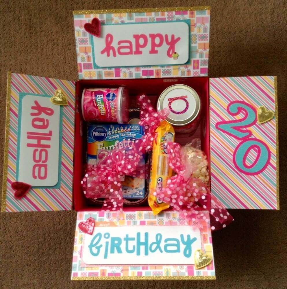 colorful party model in the friend box - Photo - Pinterest