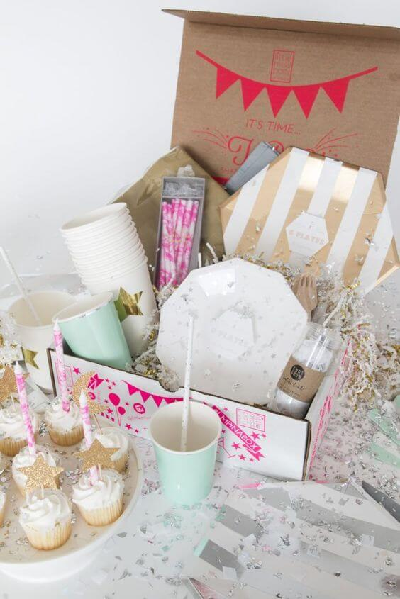 Party in the box with cupcakes and beautiful details