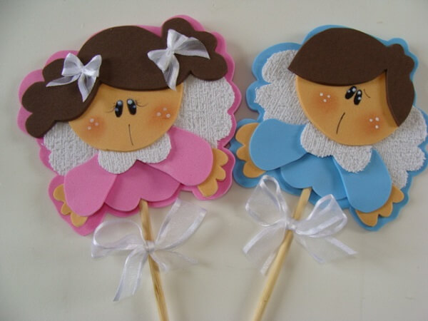 Distribute little angels as a souvenir of EVA christening