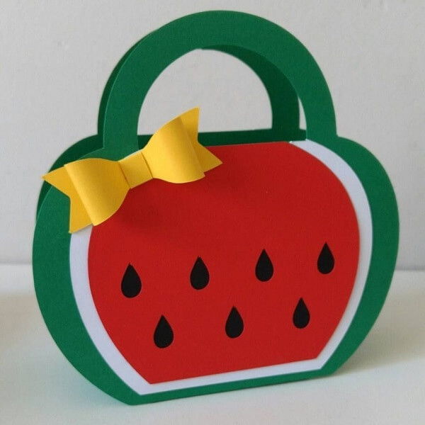 EVA souvenir model in pouch format accommodates sweets