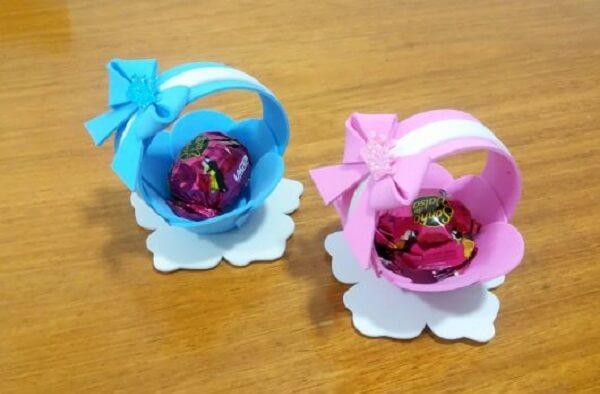The EVA basket accommodates sweets