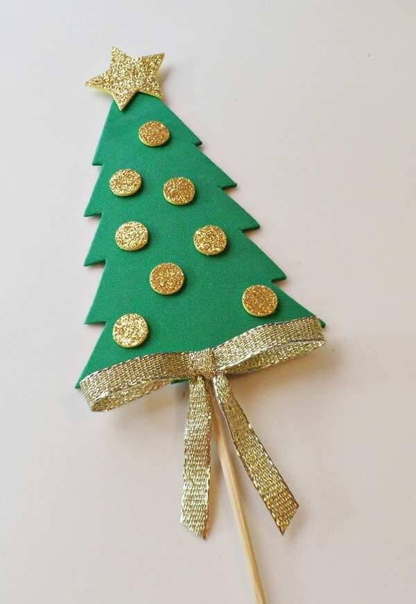 Creative sticks as Christmas souvenirs in EVA