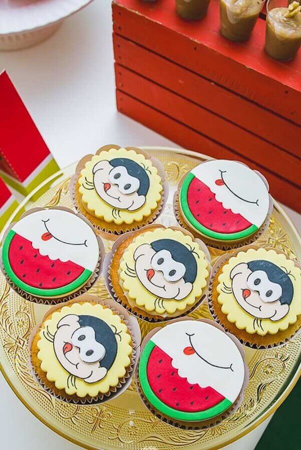 custom cupcakes with american folder for magali party Foto Pinterest