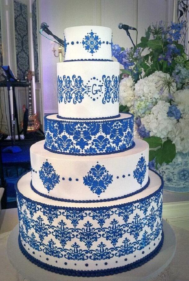 blue and white decorated wedding cake Photo Wedding Cakes