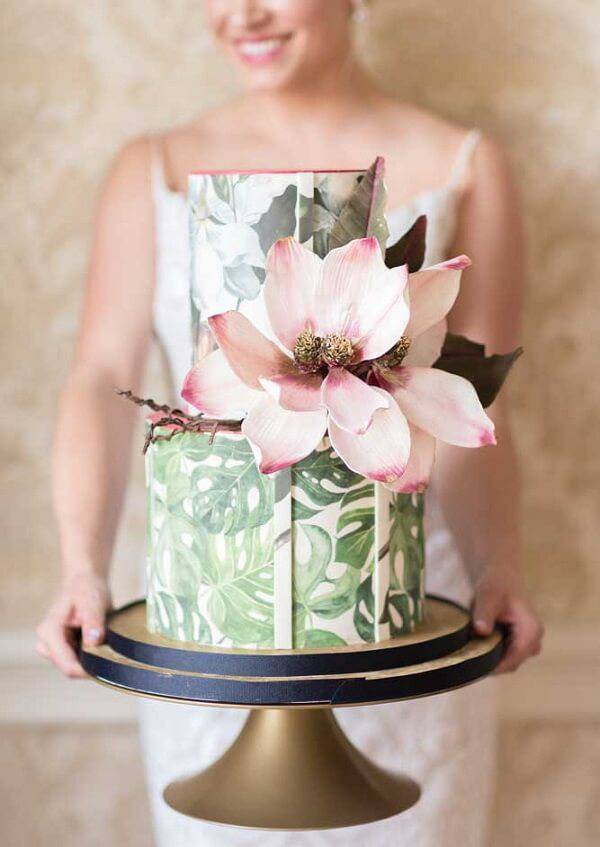Fake cake for those who are getting married in the country