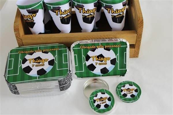 Soccer theme souvenir kit children's party