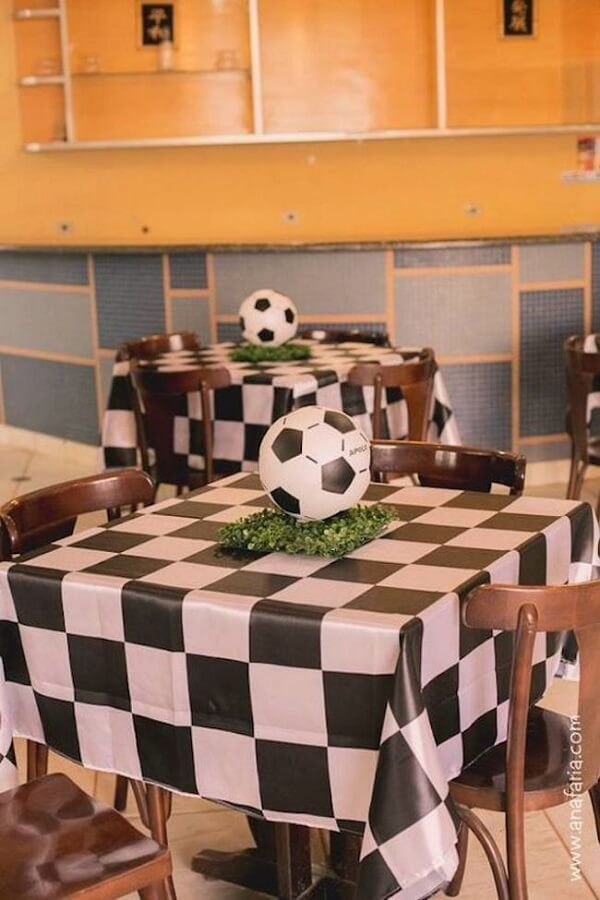 Decorate the guests' table in a special way