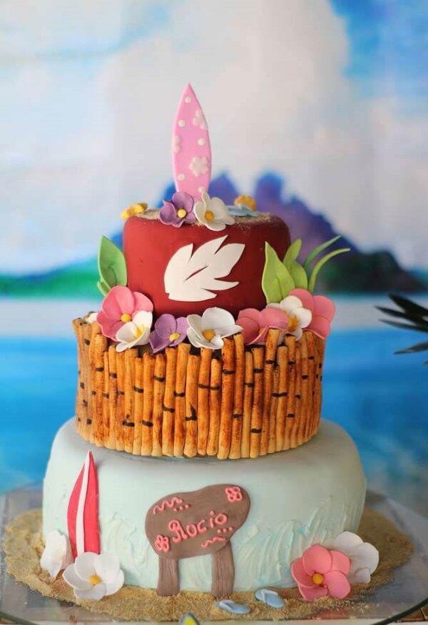 Creative Hawaiian Party Cake