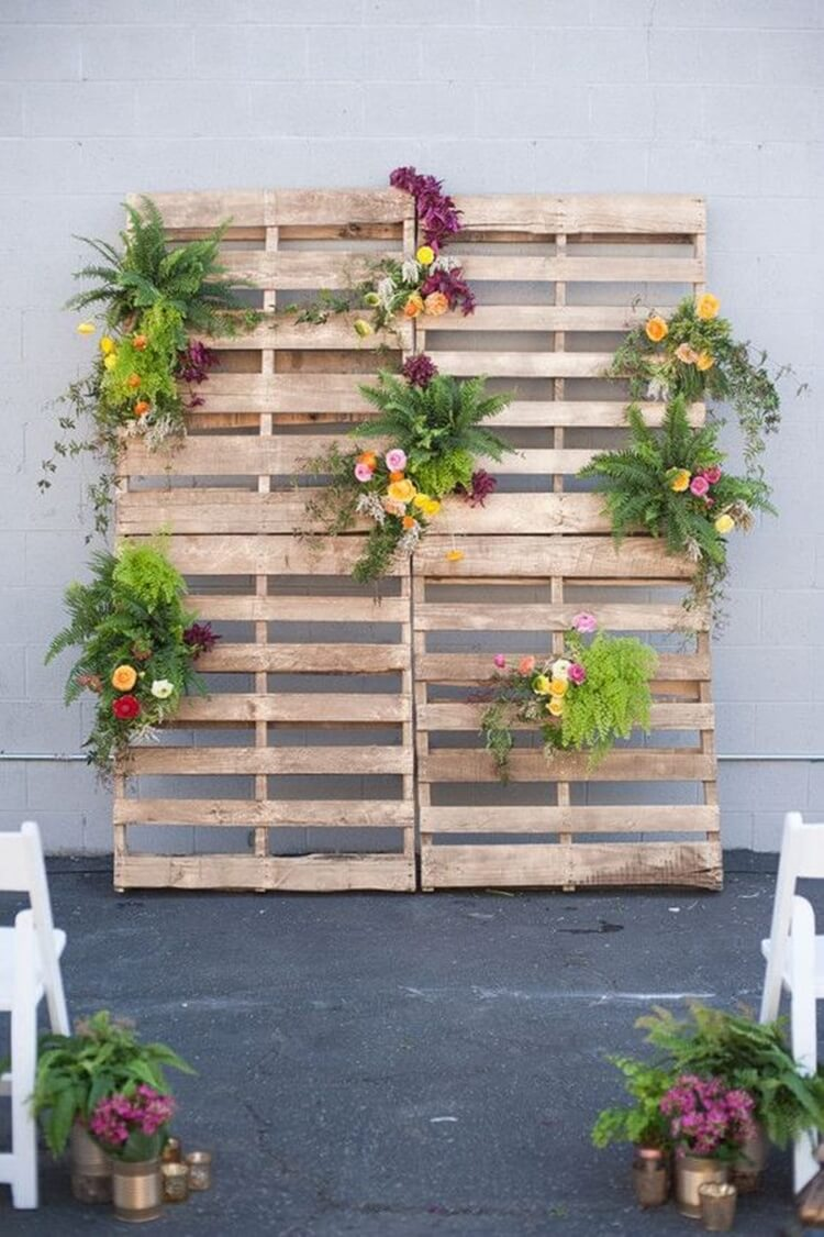 Pallet for rustic wedding