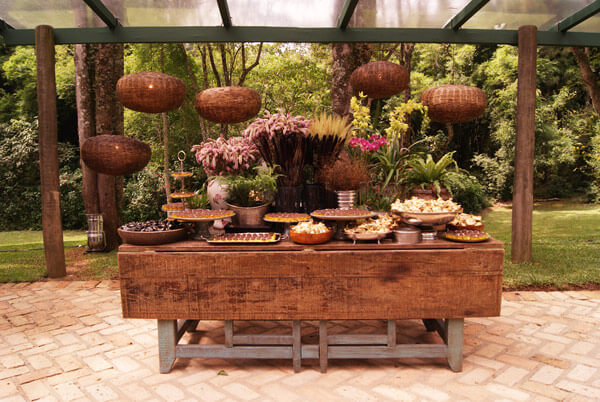 Rustic wedding decoration for candy table