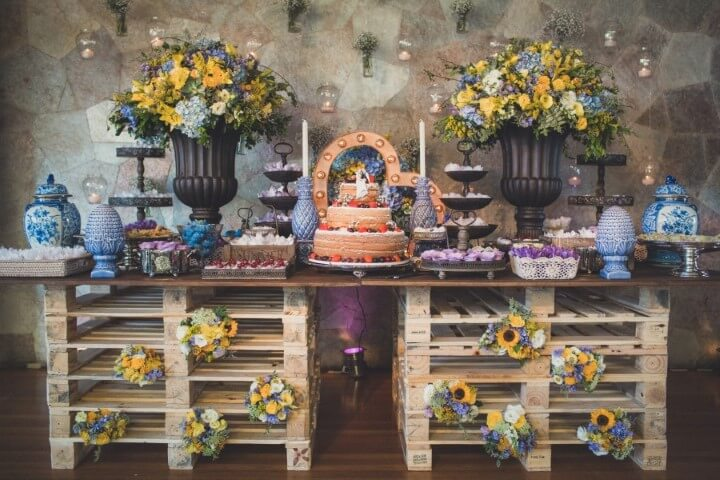 Colorful table for rustic wedding decoration
