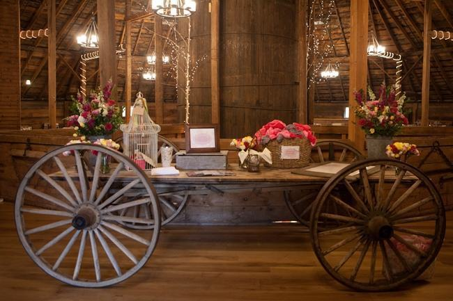 Wooden trolley for rustic wedding decoration