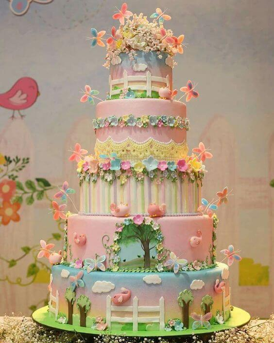 Five-story enchanted garden cake Photo by Pinterest