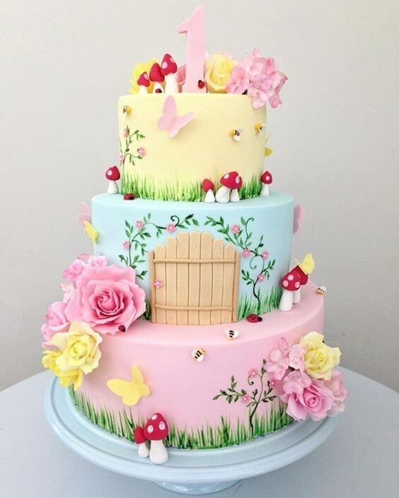 Enchanted garden cake in pastel colors Photo of Enter the Party