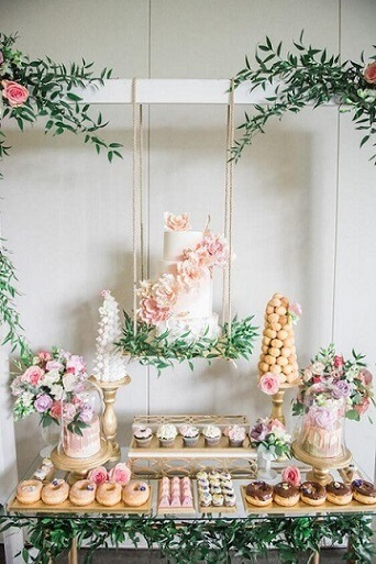 Enchanted garden cake suspended Photo by The Perfect Palette