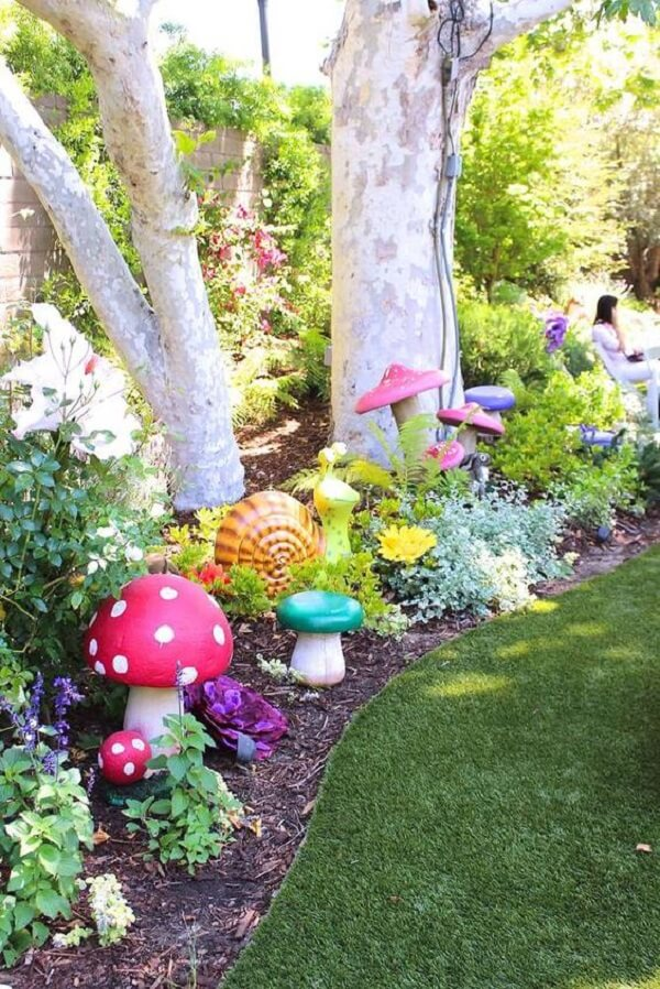Enchanted garden with several colorful decorations