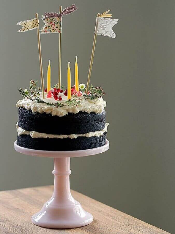 simple decorated cakes with whipped cream and dry twigs Photo Best Cake Ideas