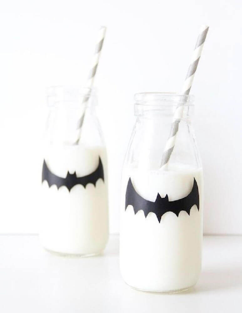 personalized bottle with bat for halloween party Photo Pinterest