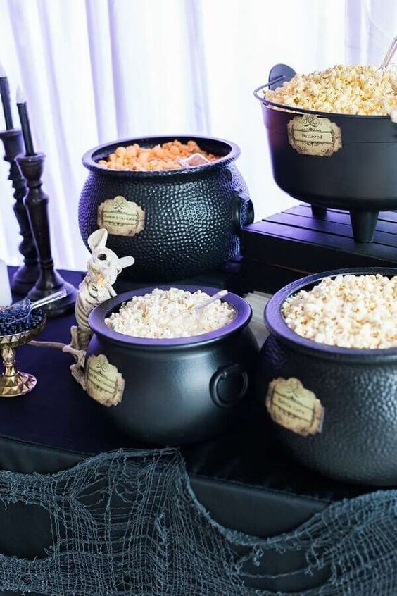 Halloween decoration with popcorn