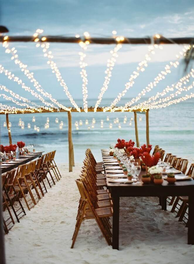 outdoor wedding party decorated with blinker Photo LM Weddings