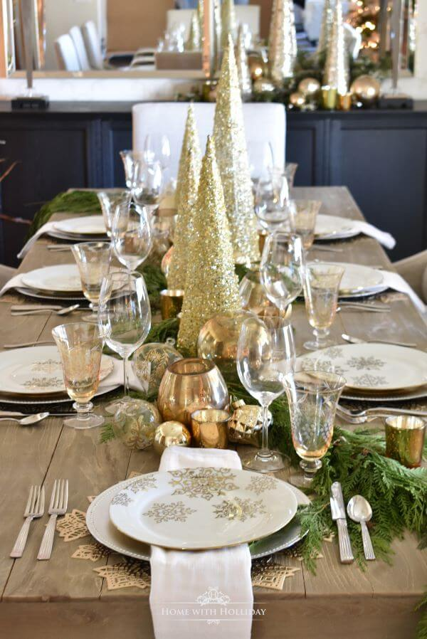 Christmas table with gold details