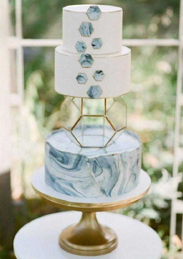Modern and creative fake design cake