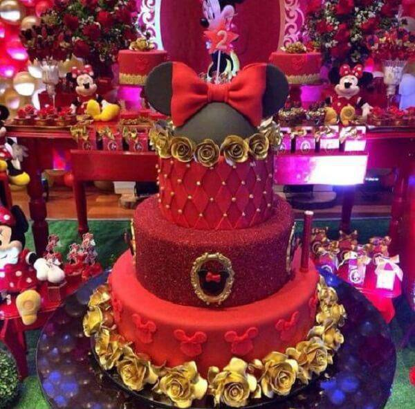 Minnie's fake cake made with shades of red and gold