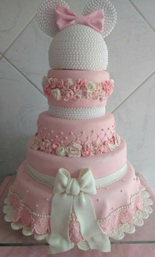 Minnie's fake cake model