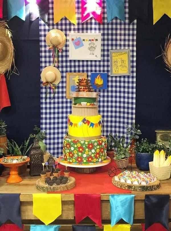 Fake cake model junina party