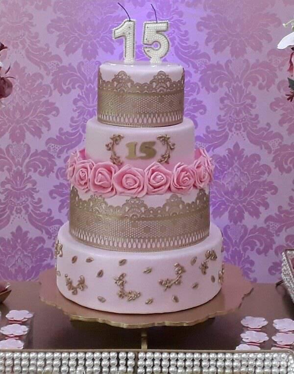 Fake cake model 15 years