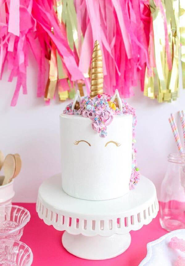 Super delicate unicorn cake fake model
