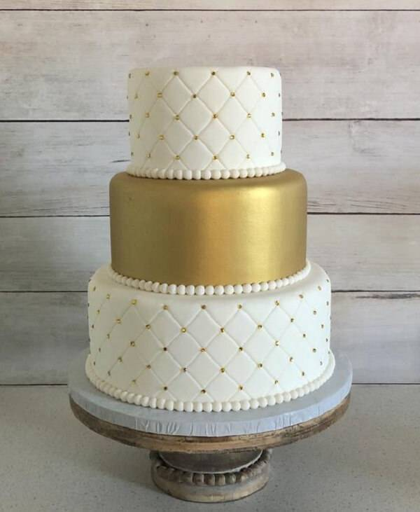 Cake fake model in shades of white and gold