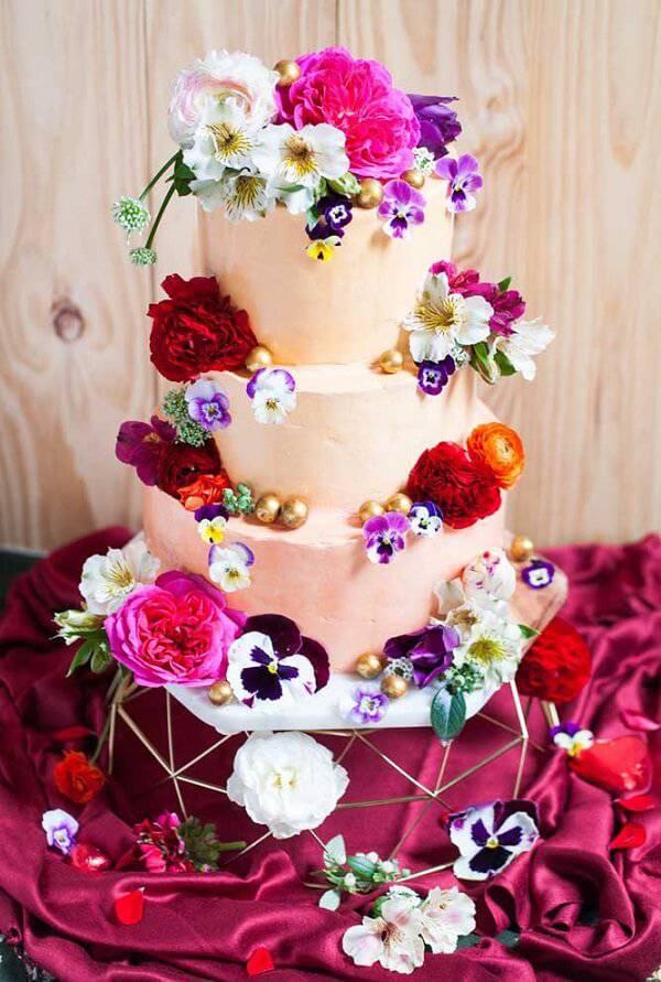 Flower-filled cake fake model