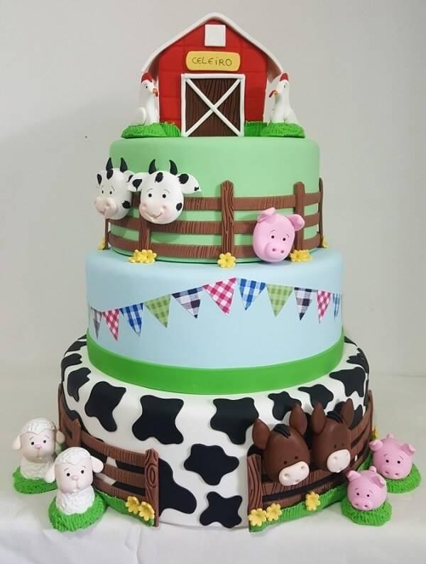 Fake farm cake model