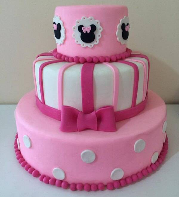 Minnie fake cake in shades of pink and white