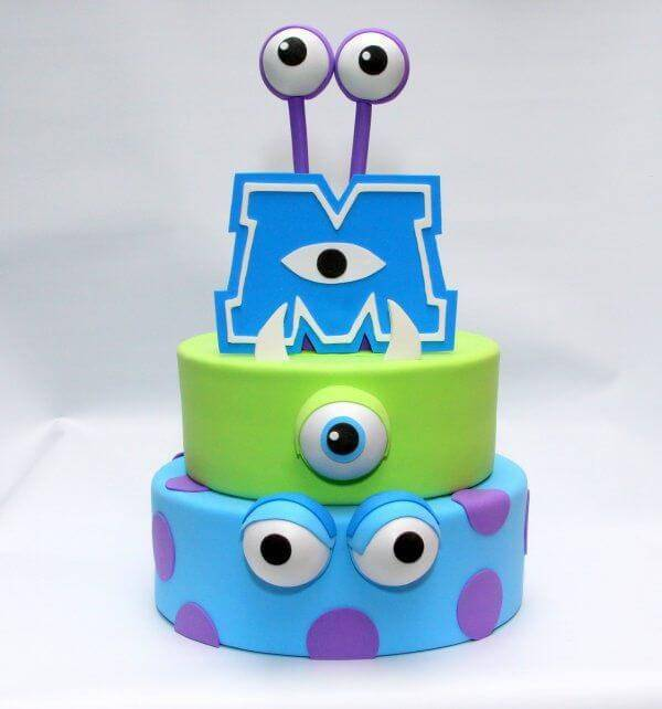 The decoration of the eva cake is inspired by the movie Monsters S.A.