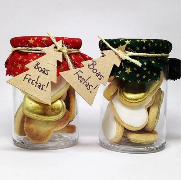 Delicious glass jars and cookies as a Christmas souvenir