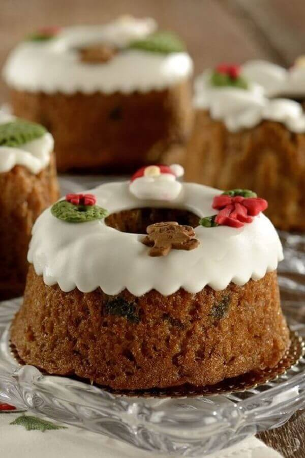 simple christmas decorated cake Photo Let's Receive