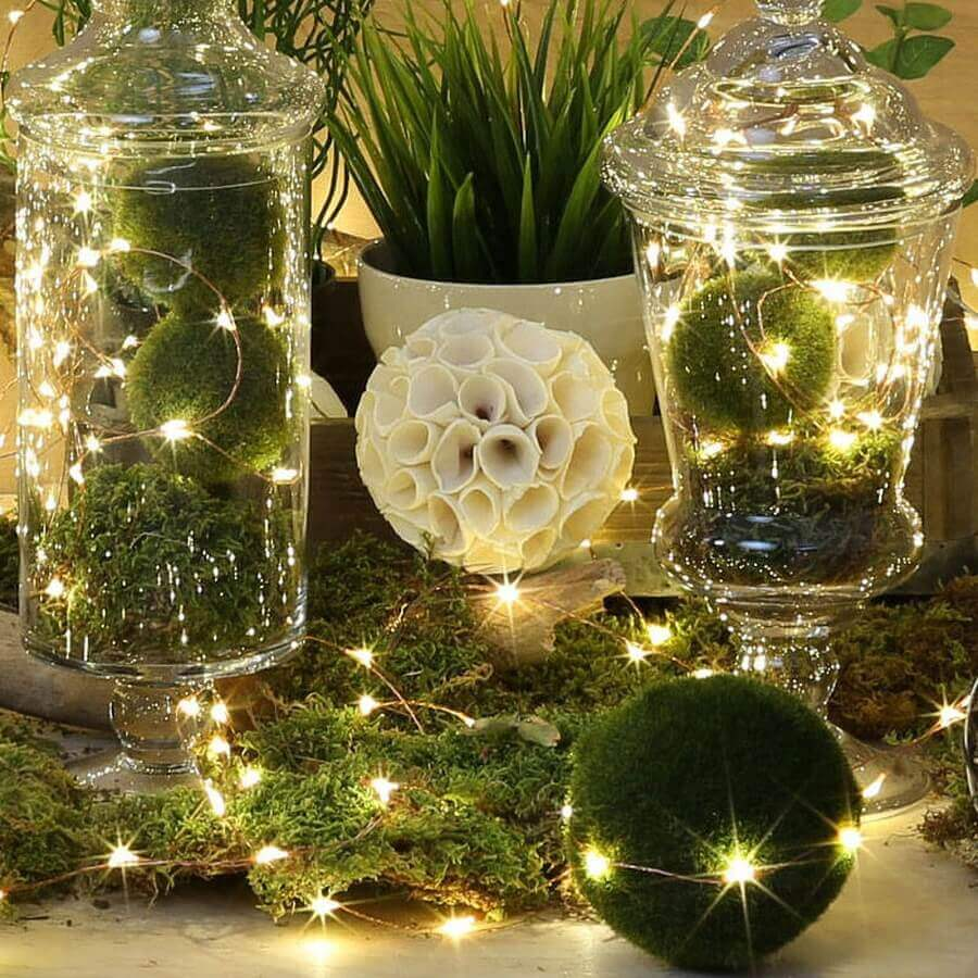 arrangements made with Christmas lights and green balls Photo DHgate
