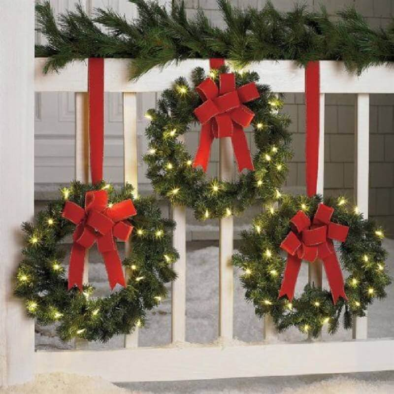 garlands decorated with Christmas lights Photo Pinterest