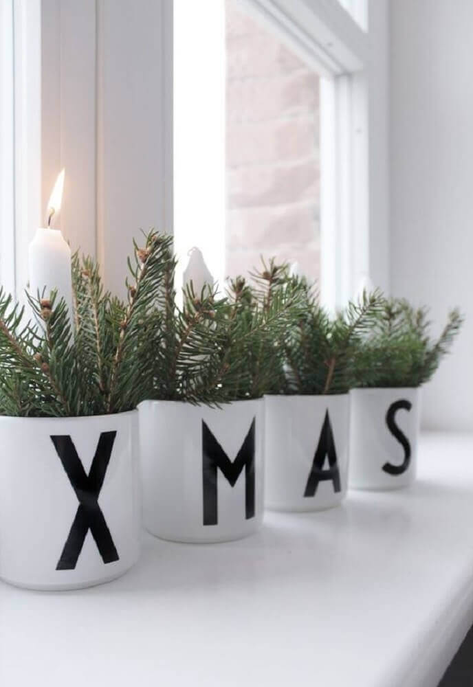 Christmas decorations for clean and modern decoration