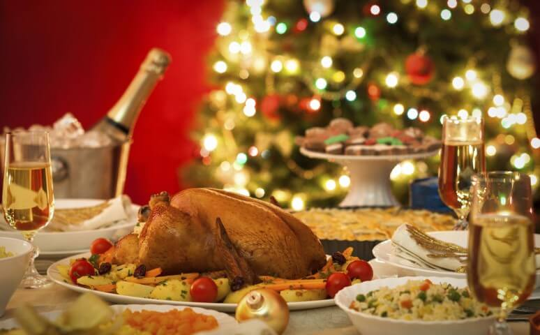 Christmas supper with turkey and potatoes Photo by GNT