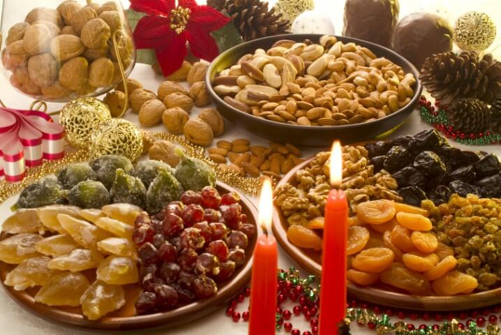 Christmas supper with dried fruits and nuts Photo by Hortifruti